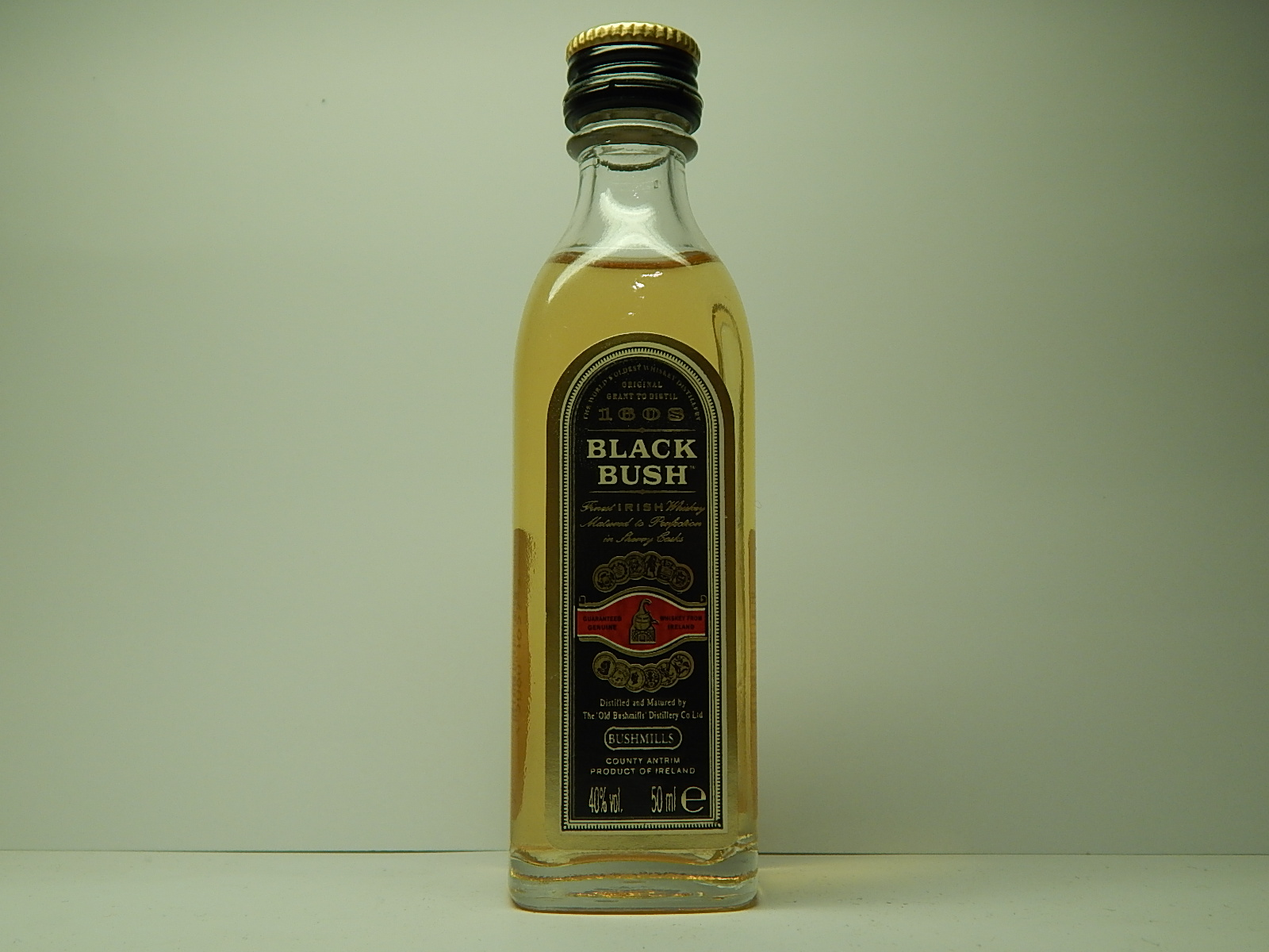 BLACK BUSH Finest Irish Whiskey